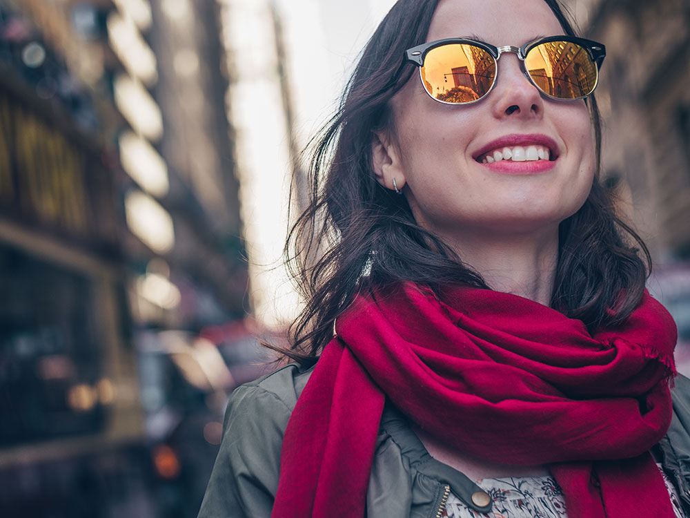 What Are the Pros and Cons of Mirrored Sunglasses? 1