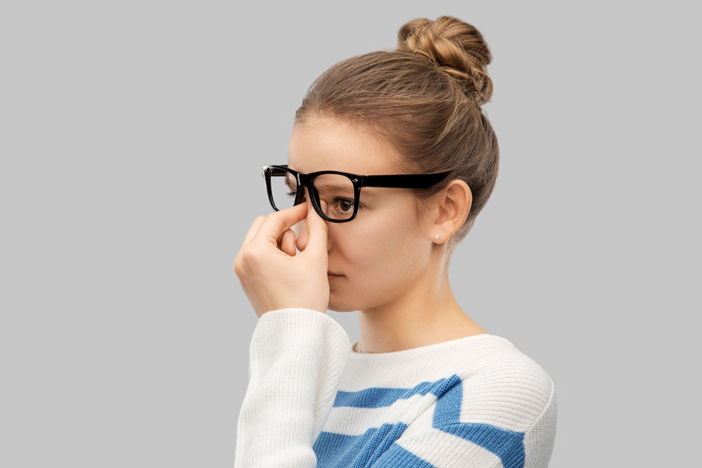What Can I Do If My Glasses Are Too Heavy on My Nose? 1