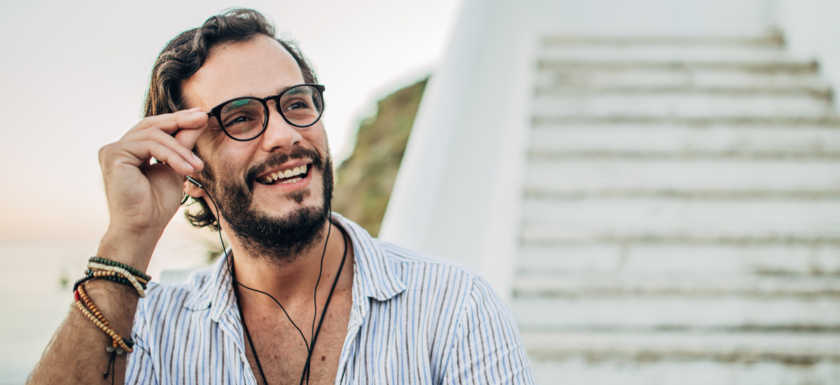 3 Must-Have Styles for Men's Eyeglasses in Spring 2020