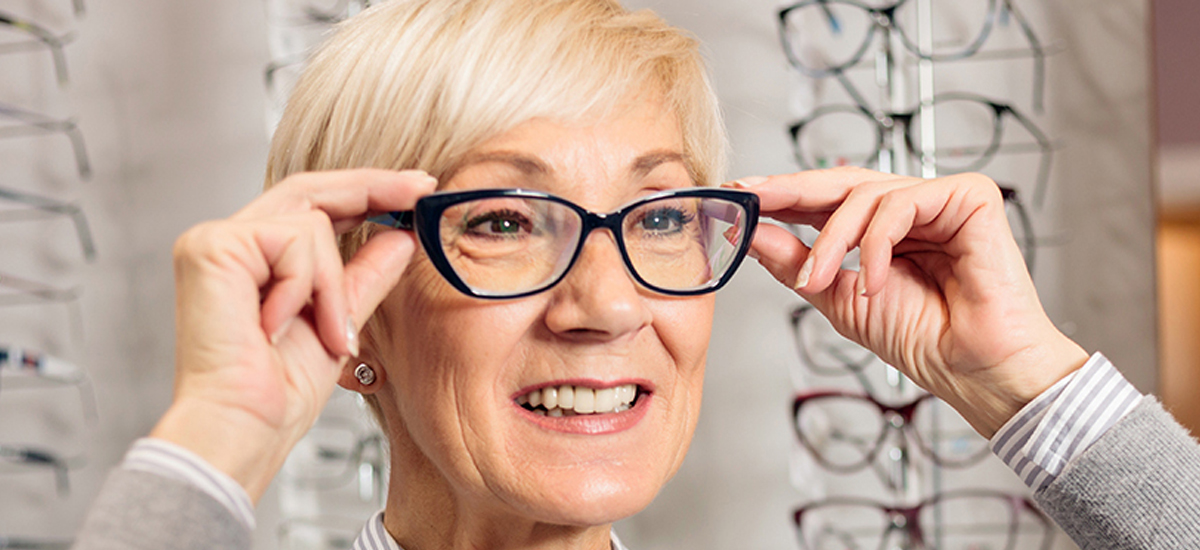 What Are the Advantages and Disadvantages of Trifocal Lenses?