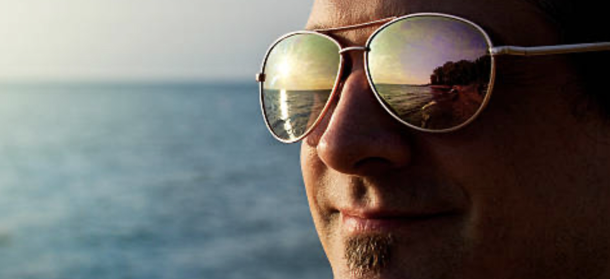 What Are the Pros and Cons of Mirrored Sunglasses?